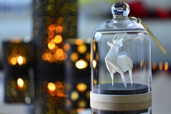Skulptur-Origami-Hirsch unter Glas Kuppel von FlorigamiShop auf Etsy