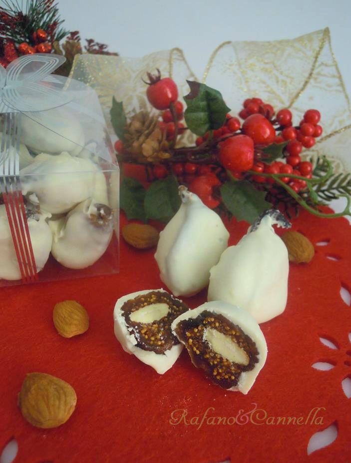 Fichi al cioccolato  http://blog.giallozafferano.it/rafanoecannella/fichi-al-cioccolato/