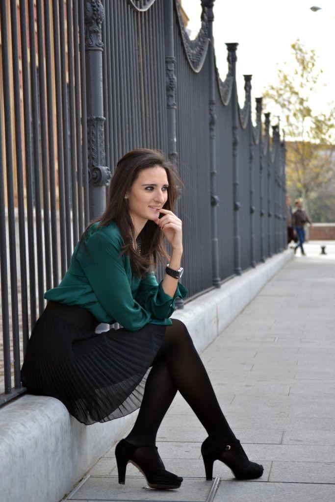 Belleza y fragancia: Falda de mezclilla con medias