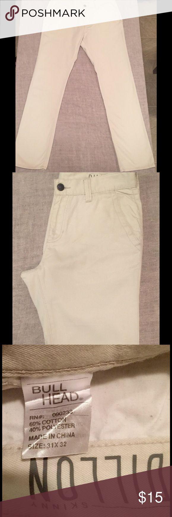 Bullhead Skinny Dillon White Pants 31x32 Great condition.  Bullhead Skinny Dillon White pants.  31x32.  Ships immediately! Bullhead Pants Chinos & Khakis