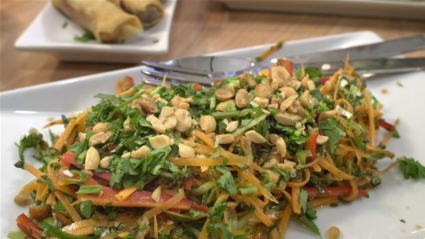 Sursød thaisalat