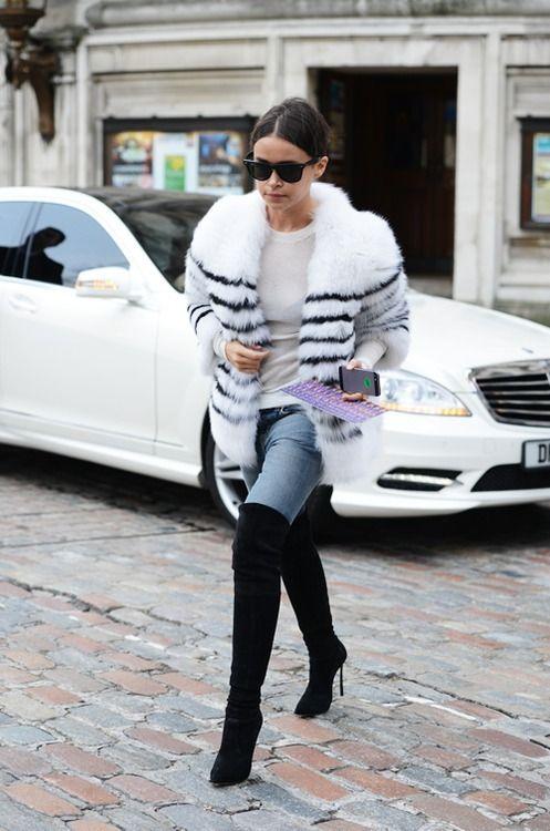 С чем носить высокие сапоги-ботфорты? Девушки в ботфортах: фото.