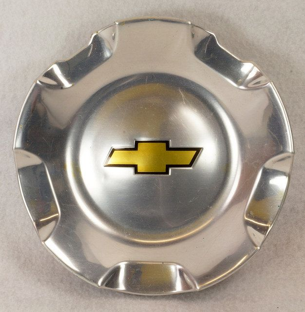 CHEVROLET Center Hub Cap 2007-2010 AVALANCHE SILVERADO SUBURBAN TAHOE # 9595152  eBay Link: http://www.ebay.com/itm/CHEVROLET-Center-Hub-Cap-2007-2010-AVALANCHE-SILVERADO-SUBURBAN-TAHOE-9595152-/291838503873  RD10411  Go back to Tin Can Alley - FOR SALE: http://www.bagtheweb.com/b/PBdAfQ