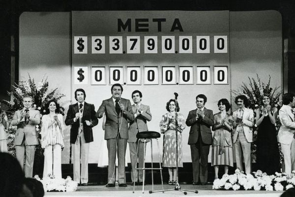 Sabías que la primera Teletón de América Latina se realizó en Chile en diciembre de 1978, organizada por el presentador de televisión chileno Mario Kreutzberger, artísticamente conocido como Don Francisco   #ElAbrazoDeTodos pic.twitter.com/ZtheO46yhQ