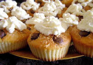 W Mojej Kuchni Lubię.. : smaczne limonkowe muffinki z bitą śmietaną kokosową...