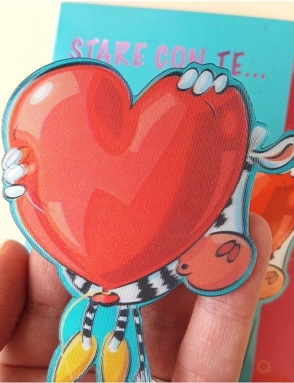 Biglietto d'amore con magnete 3D da attaccare al frigo o qualsiasi altra superficie magnetica.  La zebra con il cuore si stacca dal biglietto e diventa una calamita.