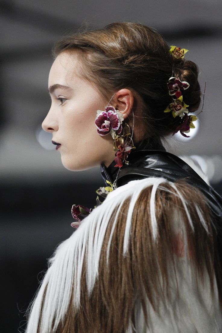 Statement Earrings top the list of the most memorable jewelry of 2016.
