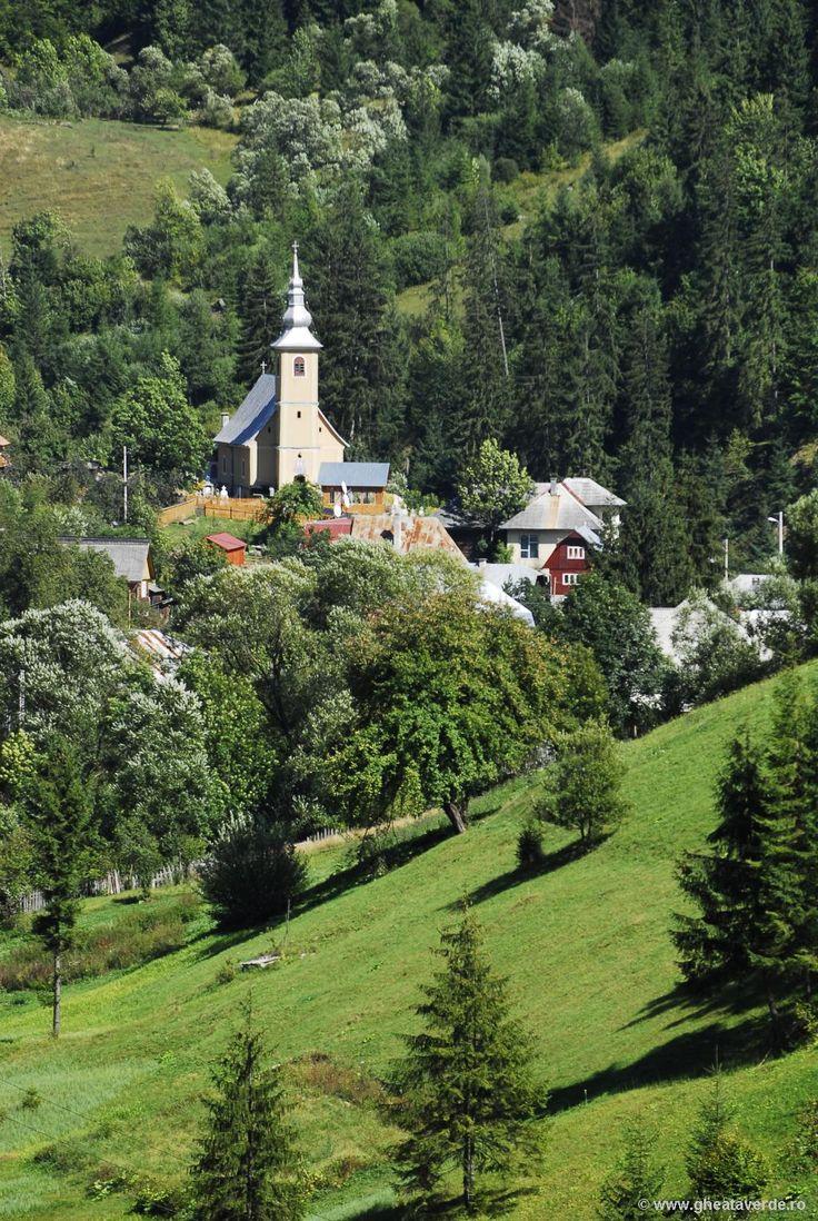 RomaniaRoute.ro cea mai mare biblioteca turistica din Romania