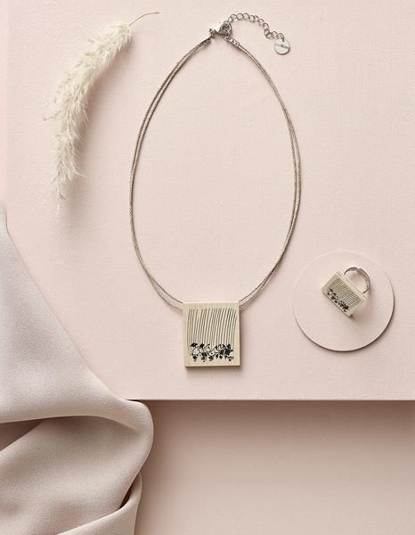 Aarikka Moomin Valley's Seasons necklace: Moomin Valley's Seasons necklace