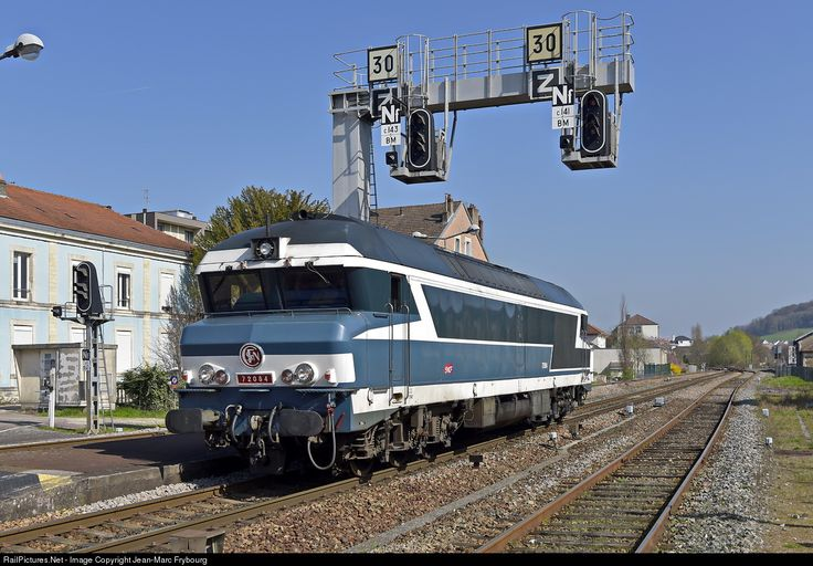 CC 72084 SNCF CC 72000 at Vesoul, France by Jean-Marc Frybourg