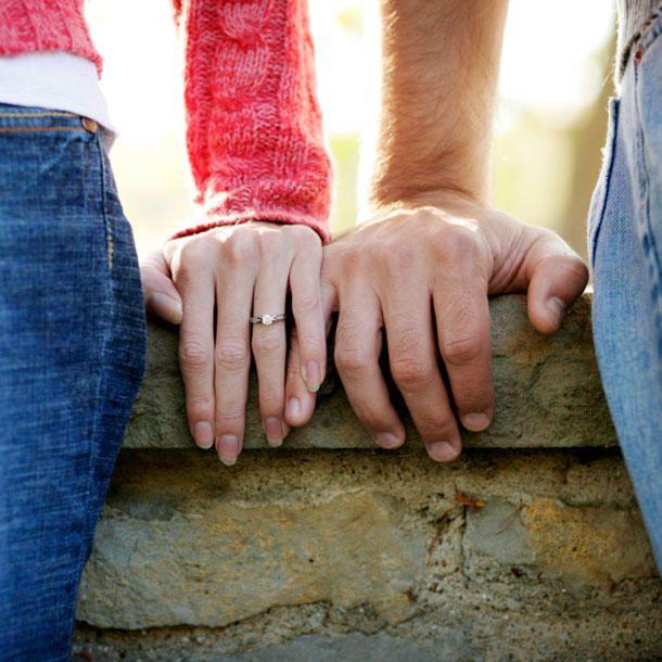 Verlobung verkünden: Inszeniere deinen Ring PERFEKT! | COSMOPOLITAN