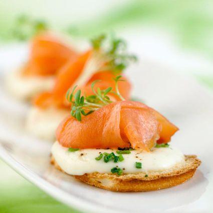 Toasts de Saumon de Norvège fumé à la mozzarella : la recette facile