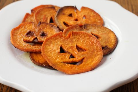 #paleo Jack-O-Lantern Sweet Potato Fries:  2 very large sweet potatoes; ¼ cup coconut oil, melted; ¾ teaspoon salt; ¼ teaspoon onion powder; ⅛ teaspoon cinnamon; ⅛ teaspoon cayenne