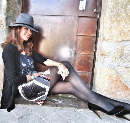 Mar Saura luce así de guapa y seductora en su blog de mujerhoy.com con unos elegantes y sofisticados salones de Paco Gil. Encuéntralos en www.pacogilshoes.com