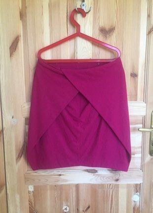 Kup mój przedmiot na #vintedpl http://www.vinted.pl/damska-odziez/spodnice/16113214-welniana-spodnica-od-solar-w-pieknym-fuksjowym-kolorze-jak-w-sam-raz-na-zime-do-biura