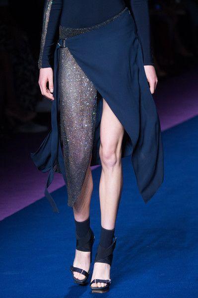 Versace, Spring 2017 - Must-See Spring '17 Milan Runway Details - Photos
