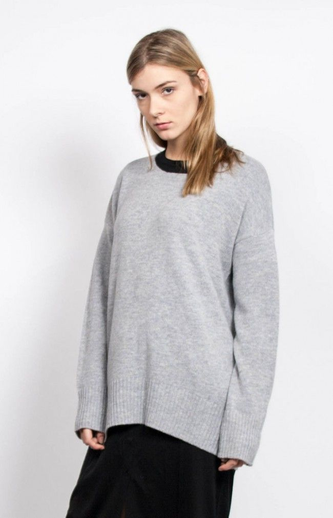 NIKI Long-sleeved knitted sweater in wool blend. #anglestore #simplicity #sweater #grey #look #style