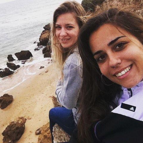Can't wait to have you right here... Ni te imaginas cuanto te necesito cerquita mía. Ir a NUESTRO lugar favorito a reír llorar o gritar juntas. Te quiero mucho amiga. Pronto nos vemos. Lo mejor está por venir.  #latenightlove #latenightpost #love #iloveyou #realtalk #bff #friendship #cantwait #cadizfornia #tequiero #amigas #selfie #beach #ourspot #wanderlust #andalucia #igersspain by indira_ca