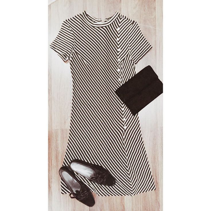 Keep it simple with this killer #60s outfit. #stripe dress - sz. Small - $45 #1960s #mod #velvet #oxfords - sz. 7.5 - $40 velvet #clutch #purse - $30  Comment or DM with your email and postal code for purchase/details!! #vintage #vintagestyle #60sfashion #ootd #luckydrygoods #modstyle #60sdress #60sstyle