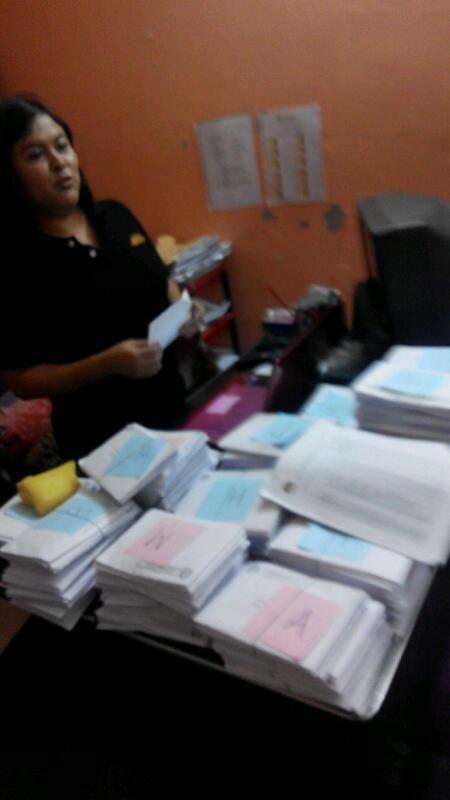 Duh! RT @RepublikSahabat: Ribuan surat suara belum disebar ke asrama2 tki di malaysia, masih di kamar kepala asrama.