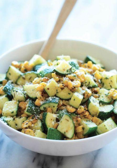 Un mariage parfait…Parmesan, courgettes et maïs! #parmesan #courgettes #maïs…