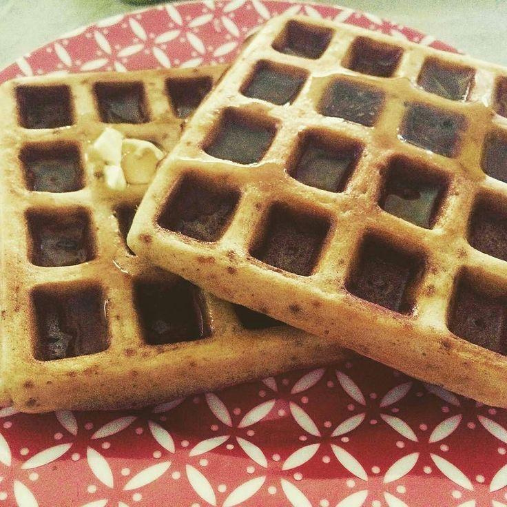 Waffles and zero calories Mapple syrup @mws.pt  #waffles #maplesyrup #zerocalories #mywhey #mywheystore #saturdaymorning #breakfast (# @claudiamii)