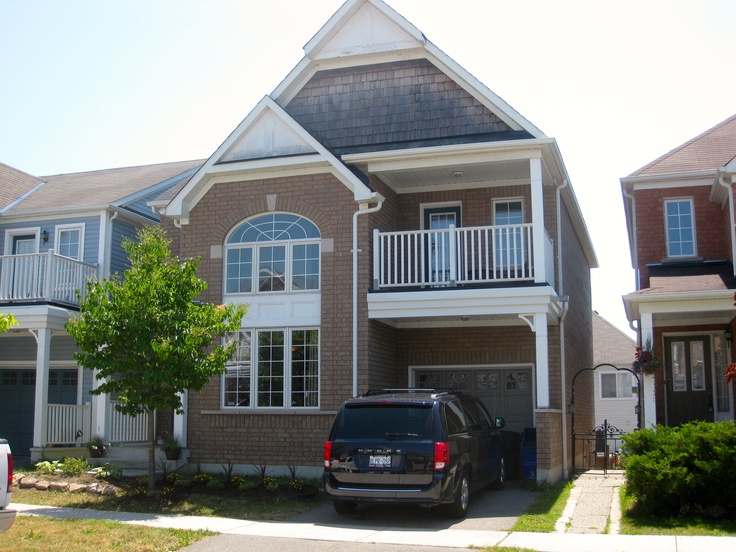 Family living by the lake in Ajax, beautiful 2 story 3+1 bedroom home, with hardwood floors, an eat in kitchen and much, much more.  Follow the link below to check out my hot new listing!  http://www.realtor.ca/propertyDetails.aspx?propertyId=12201180