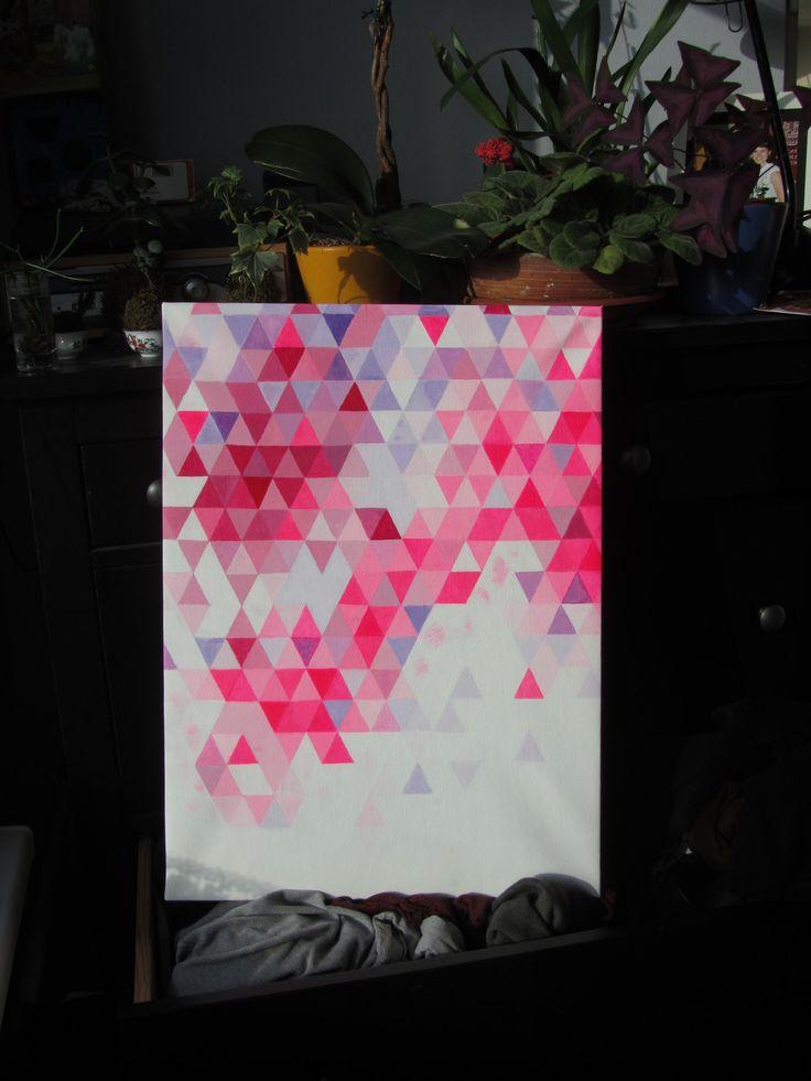 Fashion triangles Autorská malba akrylovými barvami v odstínech signální růžové, fialové a karminově červené na šepsovaném plátně.Rozměry plátna cca 55x40 cm. Obraz je bez rámu.  Barvy jsou oproti fotografii o moc žářivější obzvláště fosforově růžová, která se mi ve svojí zářivosti nedaří vyfotit :)....