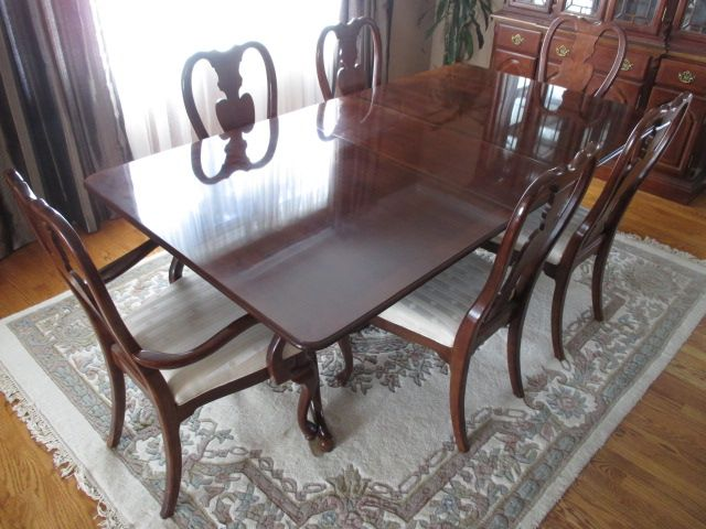 MAHOGANY DINING SET Content sale from pleasant Kanata South home – 27 Brandy Creek Crescent, Ottawa ON. Sale will take place Saturday, May 9th 2015, from 9am to 2pm. Visit www.sellmystuffcanada.com to view photos of all available items!