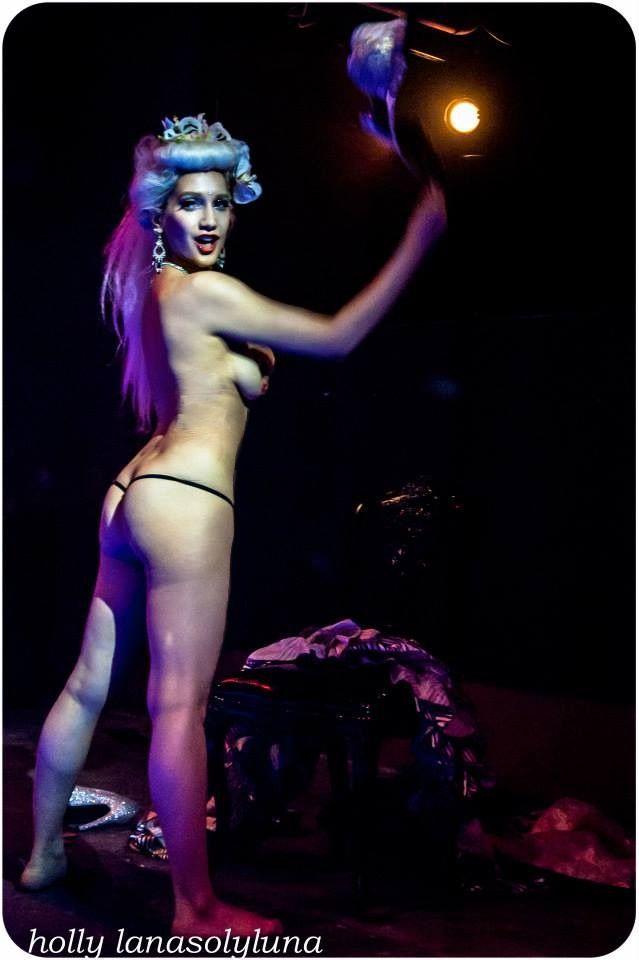 maria kenalis playboy naked