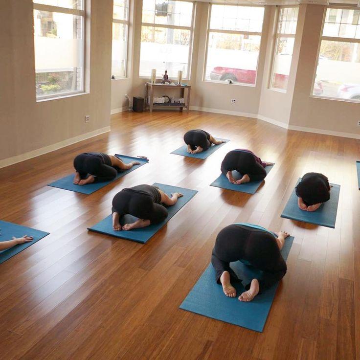 Yoga-Übungen für Anfänger: 6 Tipps zur Entspannung - GLAMOUR