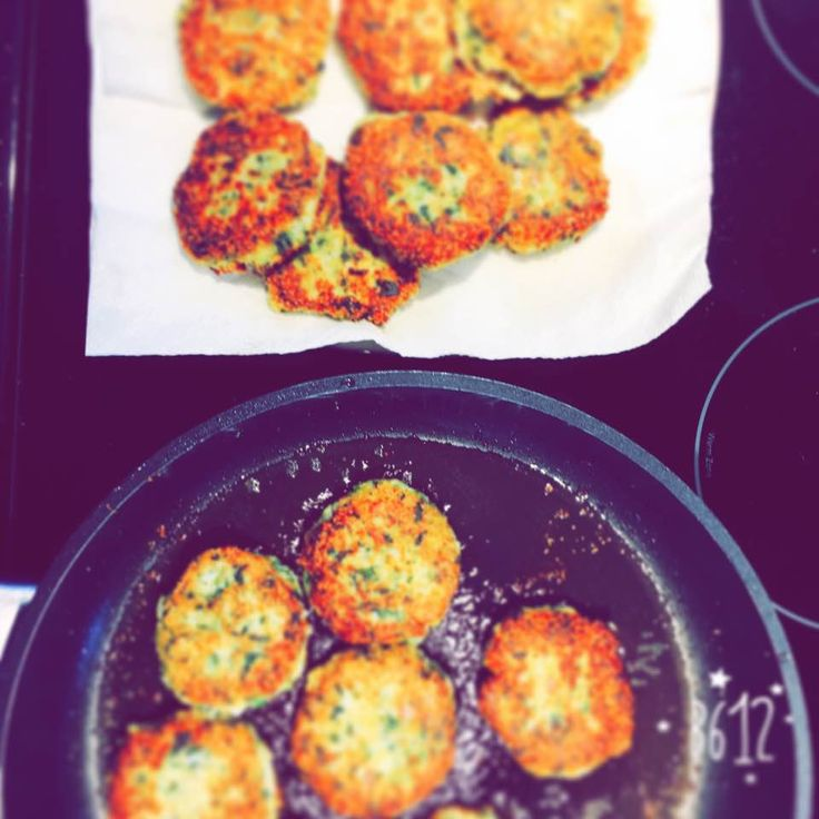 Cauliflower, amaranth, cheese, eggs, spinach croquettes fried with coconut oil.