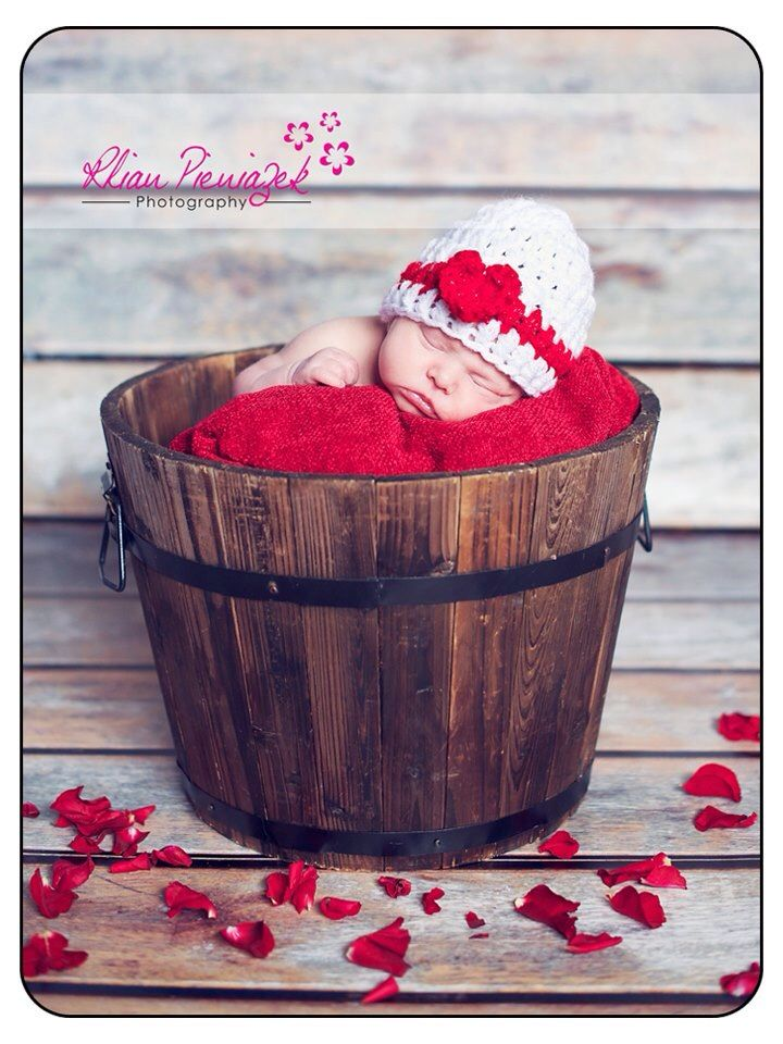 Valentine Newborn. Rhian Pieniazek Photography.