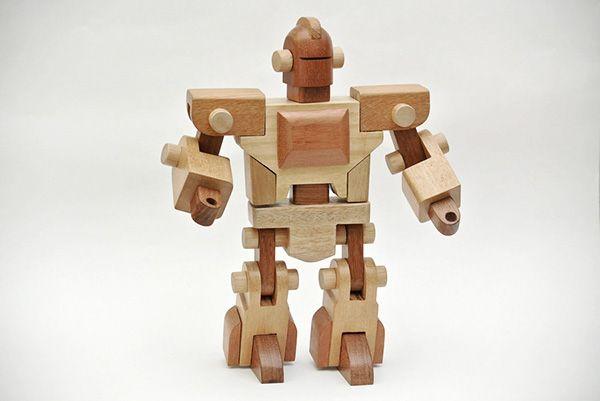 Woodiy, meu robô de madeira.