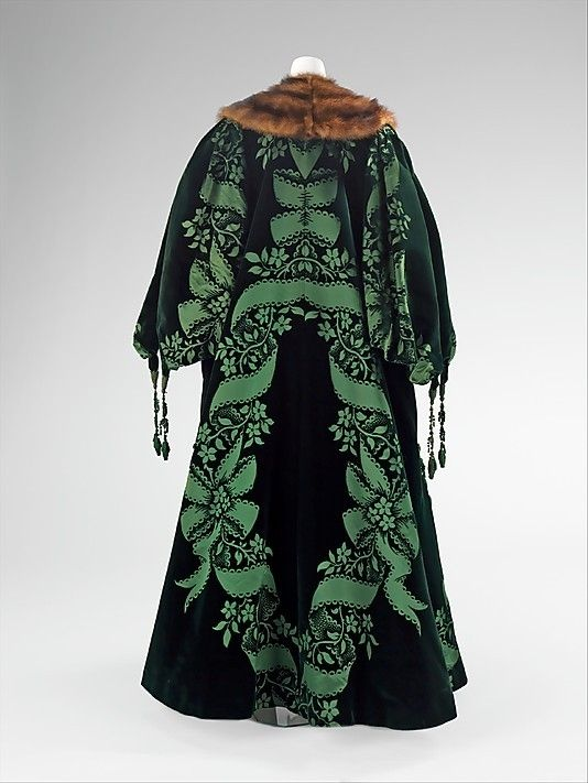 Coat evening back view house of worth french 1858 for French couture brands