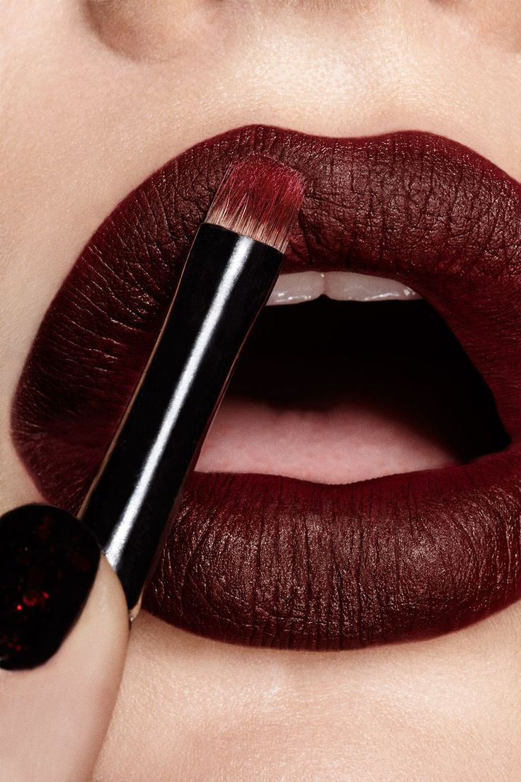 Dark matte lip, great for a night out. Shop our range of lipsticks here > https://www.priceline.com.au/cosmetics/lips/lipstick