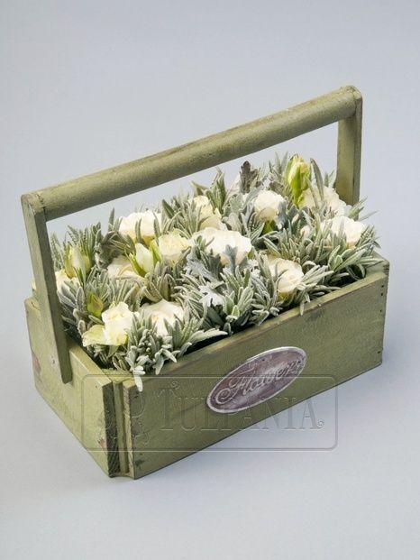 Кремовые розы и прованские травы.  Заказ цветов в Киеве. Цветочный интернет магазин Тюльпания