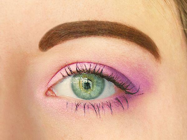 les 25 meilleures id es tendance fard paupi res rose sur pinterest maquillage des yeux rose. Black Bedroom Furniture Sets. Home Design Ideas