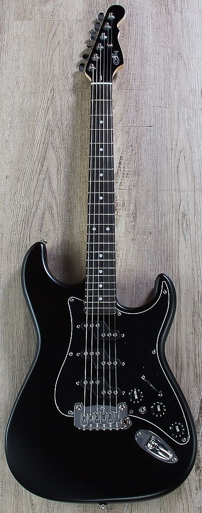 G&L USA Comanche Electric Guitar, Ebony Fingerboard, Hard Case - Jet Black The G&L Comancheå¨ is Leo‰Ûªs final word on the traditional double-cutaway bolt-on axe. Fact is, the first thing you‰Ûªll notice about the Comanche is the distinctive shape of the Magnetic Field Design‰ã¢ Z-Coil‰ã¢...