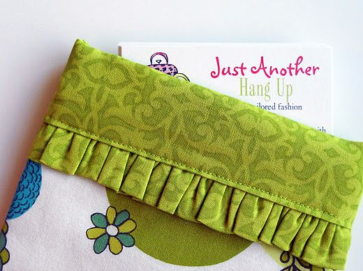 Cute little Bag tutorial...: Hanging, Gifts Cards, Bags Tutorials, Measuring Tape, Snappi Bags, Credit Cards, Bag Tutorials, Tape Measuring, Clutches Pur