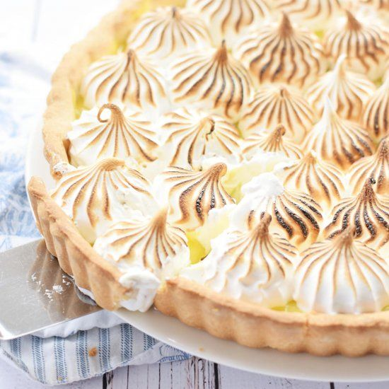 Lemon Meringue Pie – buttery pie crust,  tangy lemon curd, and glossy, marshmallow-y meringue. Video tutorial included!