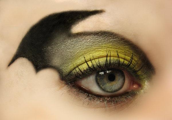 Super!: Bats Wings, Halloween Eye, Eye Makeup, Halloween Costumes, Halloween Makeup, Batman Eye, Batman Makeup, Eye Make Up, Eyemakeup