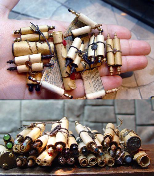 mini scrolls! Hogwarts theme