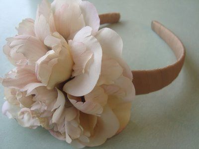 DIY flower headbands: Flower Headbands, Homemade Headbands, Homemade Gifts, Diy Headbands, Flower Power, Tissue Flower, Silk Flower, Homemade Christmas, Christmas Gifts
