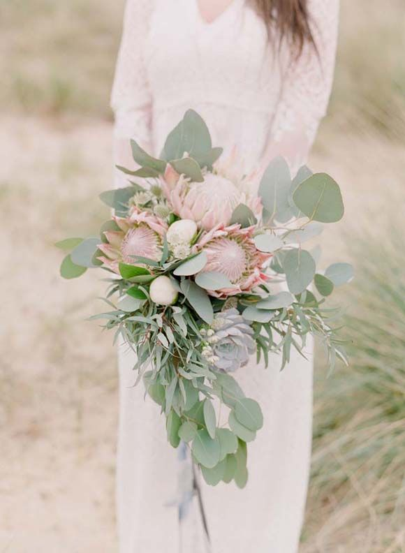 Rustic Beach Nomad Bridal Inspiration | Wedding Sparrow | Rebecca Lindon Photography