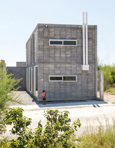 Casa caja low cost concrete house designed to diy read for Cinder block homes cost