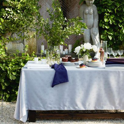 Sferrau0027s Chatham Fine Table Linens Offer An Easy Care Nicety For Frequent  Entertainers. A