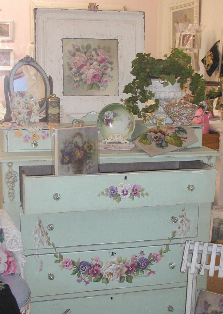 17 best images about shabby chic vignettes on pinterest - Muebles shabby chic ...