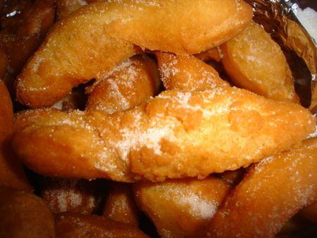 """Les schenkele de ma Grand-Mère ...beignets de carnaval alsaciens ou """"cuisses de dames"""""""