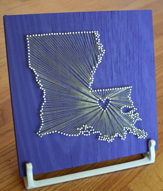 Homesick? Here's a great idea for your dorm room. It's just wood, paint, nails and string!